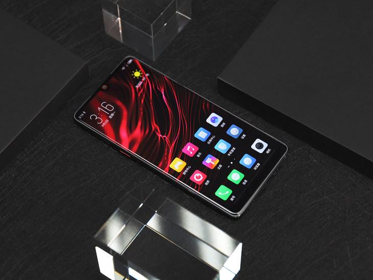 首发nubia UI6.0! 努比亚Z18星云红开启预约