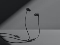 一加银耳2T亮相  将采用Type-C接口