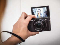 最近Vlog这么火 哪款相机适合我?