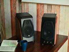 经典与时尚的完美结合 惠威M200有源音箱评测