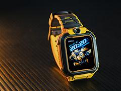孩子的专属守护英雄 小天才电话手表Z5大黄蜂定制版图赏