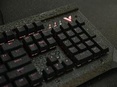 红外开关+IP68级防水 雷柏V750机械键盘图赏