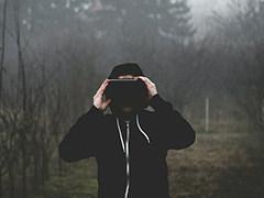 VR眼镜新突破:使用40个独特平面构建多焦点显示器
