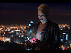 三星S10预热视频泄露 折叠屏AR应用将成亮点
