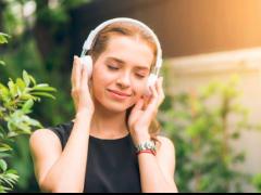 如何保护听力?世卫组织发布个人音频设备使用建议准则
