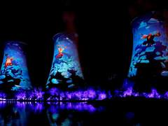 深度解密 12台NEC双色激光演绎下花园高塔投影秀