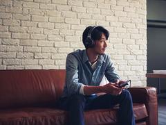 """索尼 NW-ZX300A化身""""藏音阁"""",让音质可触旋律可及"""