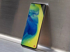 "Galaxy S10 Plus超长续航 新旗舰手机中的""电池王"""