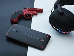 努比亚红魔3图赏:经典红黑+炫彩灯条 游戏手机就该长这样