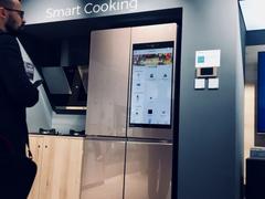 冰箱界的特斯拉!海信32吋触控屏智能冰箱惊艳IFA展