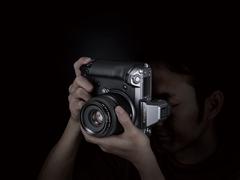 一亿两百万像素中画幅无反相机来了 富士GFX 100发布!
