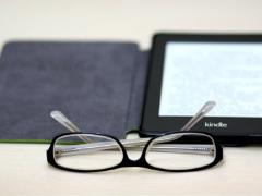 纸媒时代远去了吗?亚马逊停售纸质书 让路Kindle