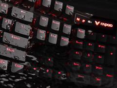 全方位防水防尘 雷柏V580S防水背光游戏机械键盘视频