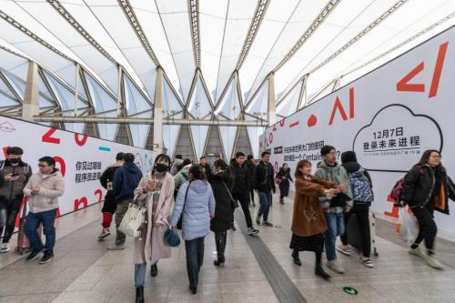 华为云最新地铁广告,为何刷爆了程序员的朋友圈?