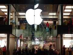 库克成就已超乔布斯?外媒称目前苹果收入高的多