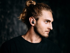 小巧颜值高 松下发布两款双重混合降噪真无线耳机