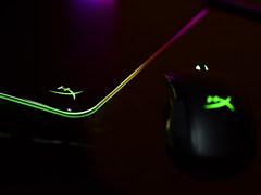 精准操控 HyperX FURY Ultra复仇女神终极版RGB游戏鼠标垫图赏