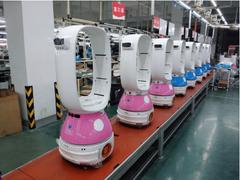 送餐机器人普及风盛行 餐厅处处可见机器人送餐服务