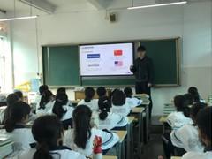 为什么李彦宏花14年教育扶贫,看了他的成长背景就明白