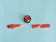 全新配色上线,HUAWEI EasyFit燃力红表带点燃心中热爱